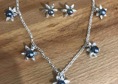 Silver flower and pearl jewellery set